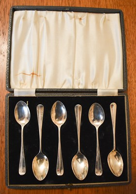 Lot 11 - A set of silver teaspoons, 1.83toz in the...